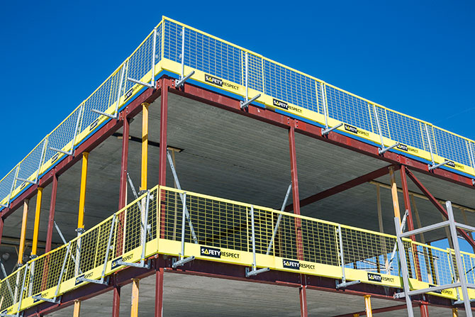 Edge protection on steel structure