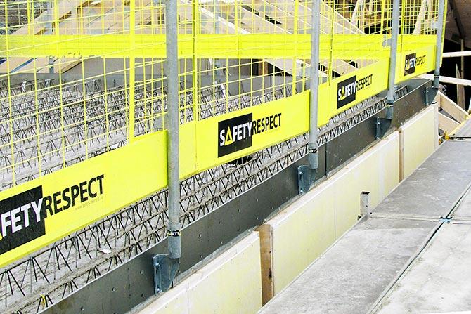Edge protection on slab edge formwork
